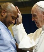 "Pope Francis holds a special Mass for prisoners: ""We can all make mistakes"""